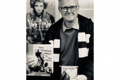 Jim-Potts-author-drops-into-CM-Nov-19